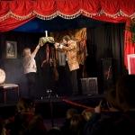 Lewitacja stołu Magiczny Kabaret